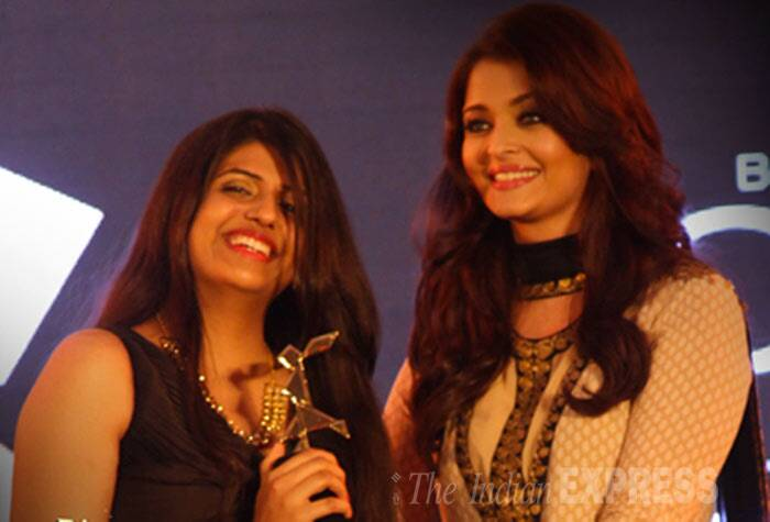Aishwarya Rai Bachchan gives away an award. (Photo: Varinder Chawla)