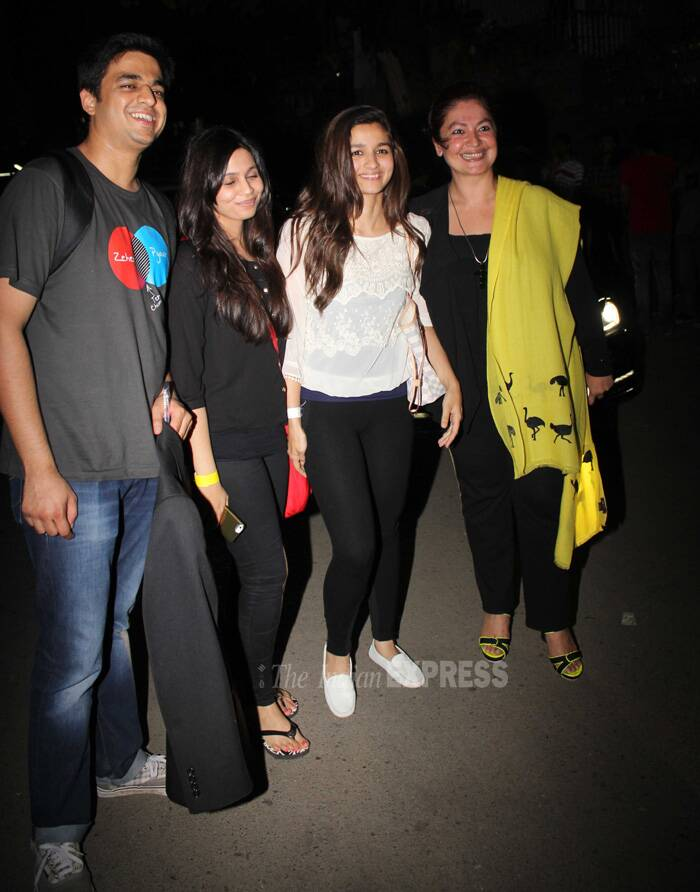 Alia and Pooja pose for the photogs with their gang! (Photo: Varinder Chawla)