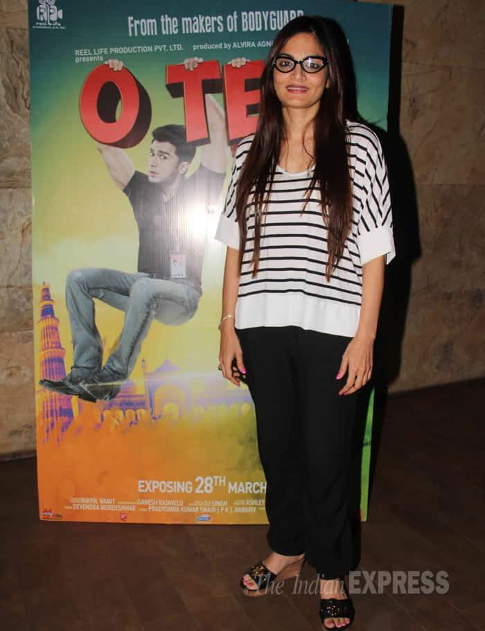 Salman's elder sister Alvira Agnihotri goes geek. (Photo: Varinder Chawla)