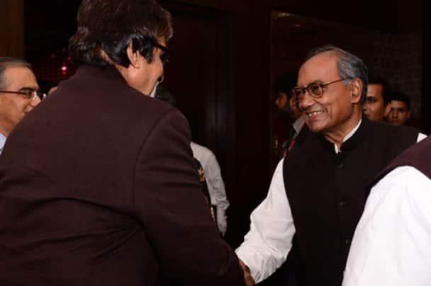 Amitabh Bachchan meets Arvind Kejriwal, Amit Shah