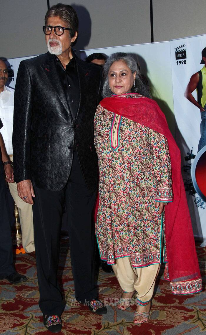 Bollywood A-listers including Hrithik Roshan, Sushmita Sen and Big B were seen at producer Vashu Bhagnani's silver jubilee celebrations party in Mumbai.  <br /> The power couple of Bollywood Amitabh Bachchan and Jaya Bachchan pose together for the photogs. (Photo: Varinder Chawla)