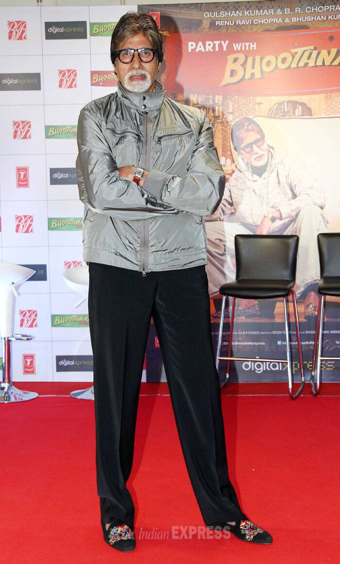 Amitabh Bachchan was cool and casual in trousers and grey jacket with velvet black loafers. (Photo: Varinder Chawla)
