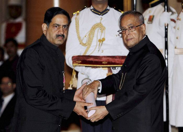 President Pranab Mukherjee presents Padma Shri award to Dr Balram Bhargava, Prof of Cardiology Cardio. Thoracic Center, AIIMS. (PTI)