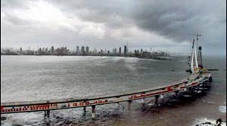bandra worli sea link, bandra worli sea link accident, maharashtra road accident, road accidents india, road accident bandra, learner's licence, minor accident