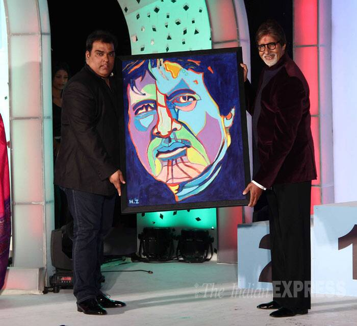 Later at the show Big B was gifted with his painting. (Photo: Varinder Chawla)