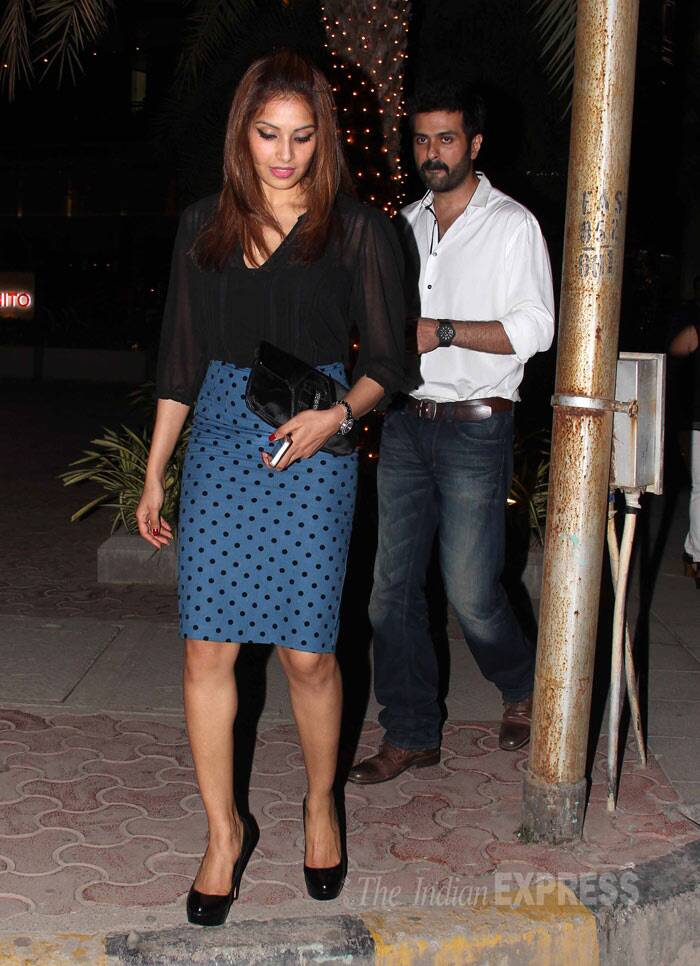 It was the first time that Bipasha Basu was spotted in public with Harman, eversince the two went public about their relationship. (Photo: Varinder Chawla)