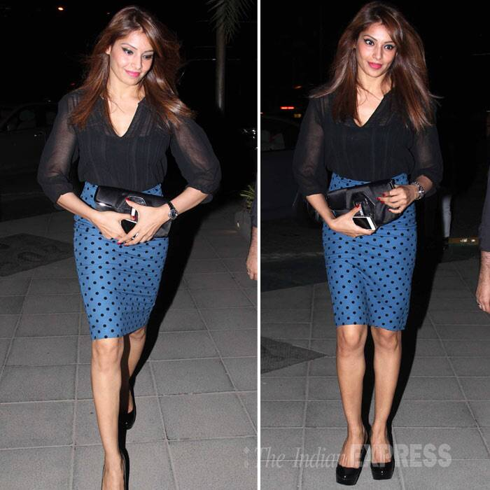 Bipasha Basu, a known fitness freak, was hot in her polka dot skirt and black top, black pumps. (Photo: Varinder Chawla)