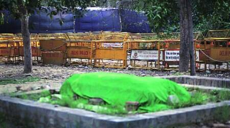 Jor Bagh dargah sees some pushing and shoving on Independenceday