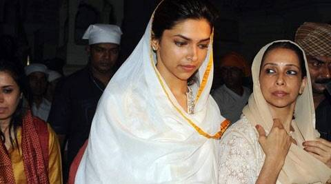 "The 'Chennai Express' star spent more than an hour in the temple premise. ""I don't want to leave this place and it seems the almighty is around me,"" Deepika Padukone shared with Singh while leaving the Golden Temple."