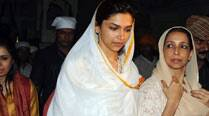 Deepika Padukone prays at Golden Temple