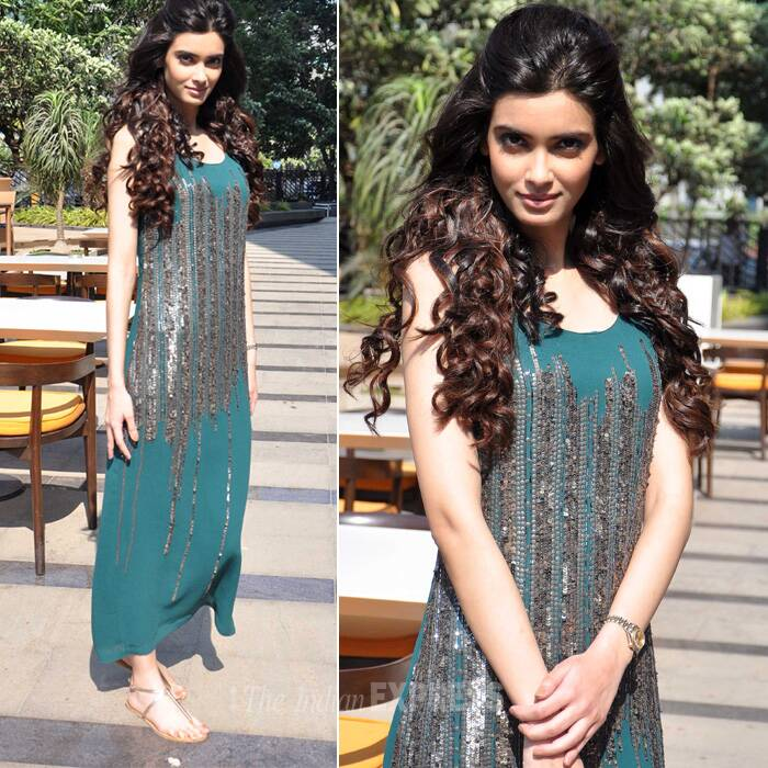 The 'Cocktail' actress was stunning in a green Rohit Gandhi + Rahul Khanna maxi. (Photo: Varinder Chawla)