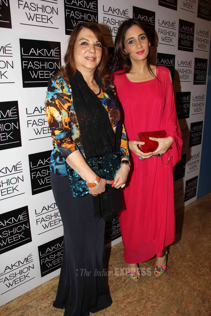 Designer Farah Ali Khan was red hot as she arrived with her mother Zarine Khan. (Photo: Varinder Chawla)