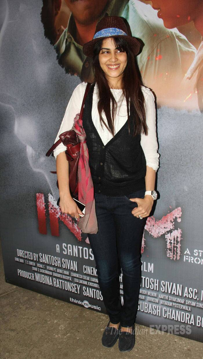 Bubbly actress Genelia D'Souza was cute in a white top with a waist coat and denims with a hat. (Photo: Varinder Chawla)
