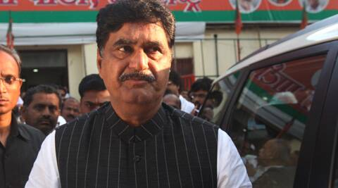 Gopinath Munde said Sharad Pawar was expressing his frustration by criticising Modi. (Express Archive)