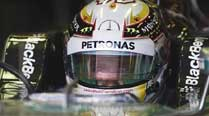 Lewis Hamilton grabs pole for Mercedes at Australian Grand Prix