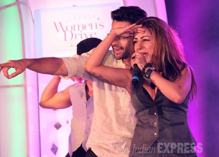 Jackky was seen rapping on stage with Hard Kaur. (Photo: Varinder Chawla)