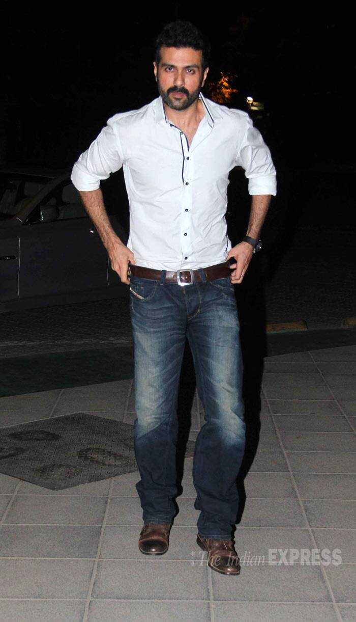Harman Baweja, who will be making a comeback in Bollywood with Shilpa Shetty's production 'Dishkiyaaon', was handsome in a white shirt and jeans. (Photo: Varinder Chawla)