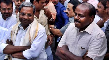 Karnataka Election Results 2018: Siddaramaiah gets emotional at MLAs' meet, senior leaders blame him for defeat