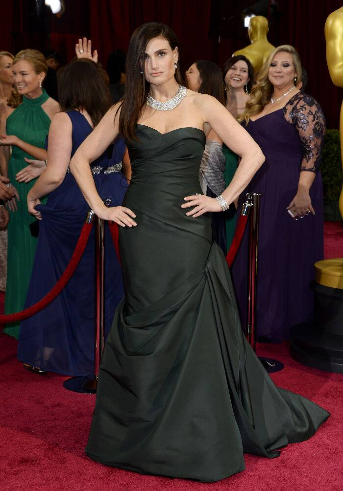 Idina Menzel was gorgeous in a bottle green Vera Wang dress and Chimento jewellery. (AP)
