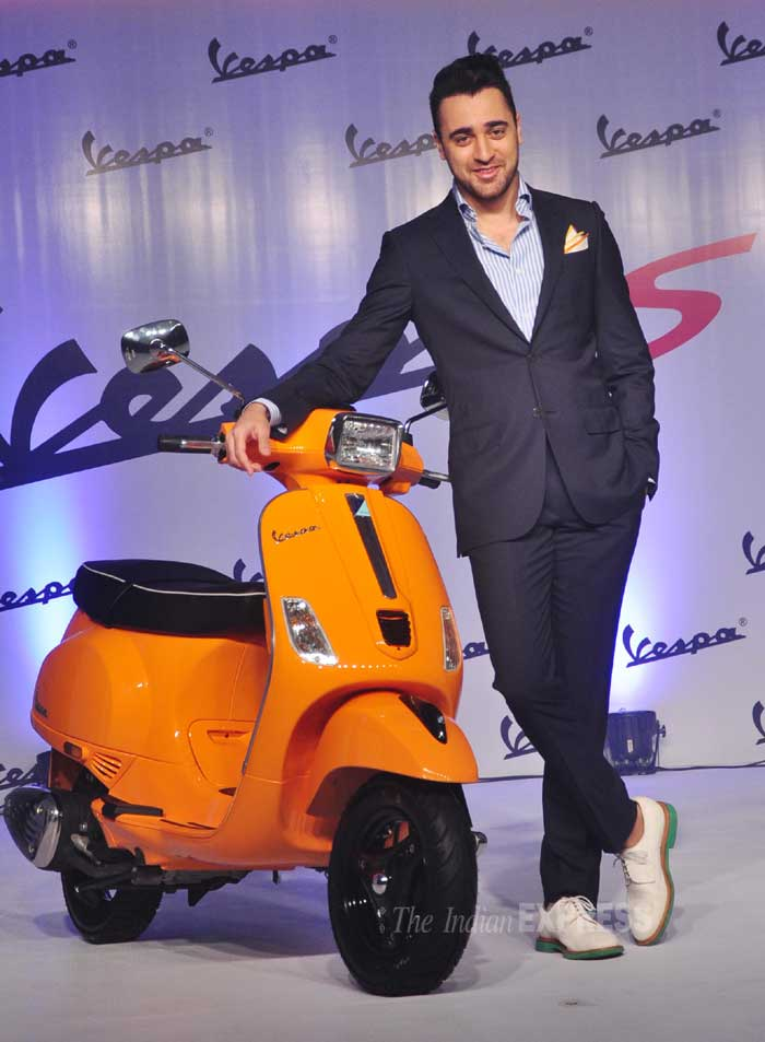 Imran strikes a pose with the scooter. (Photo: Varinder Chawla)