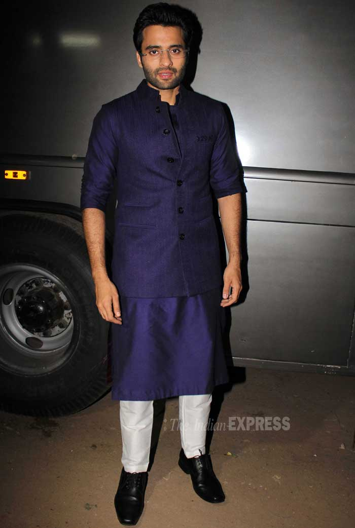 Jackky on the other hand was smart in an traditional midnight blue outfit. (Photo: Varinder Chawla)