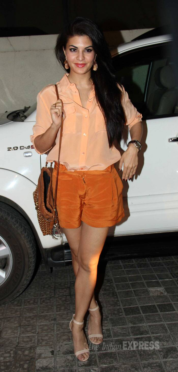 'Kick' actress Jacqueline Fernandez flaunted her toned legs in a pair of rust coloured shorts and a pale coloured blouse with nude ankle-strapped sandals. (Photo: Varinder Chawla)