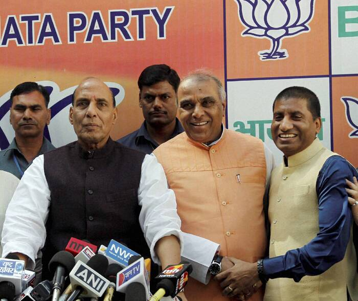Former Congress leader Jagdambika Pal today joined BJP along with stand-up comedian Raju Srivastava. Pal, who was welcomed into the party fold by BJP President Rajnath Singh, said he was keen to contest the Lok Sabha election but left the final decision on the party's Central Election Committee. (PTI)