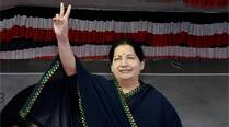 Congress, DMK are 'anti-Tamils': Jayalalithaa