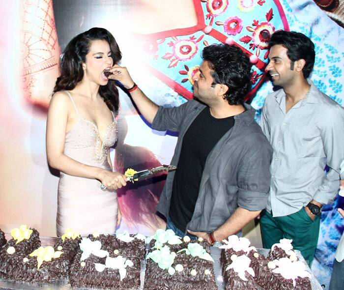 Kangana sure loves her cake! (Photo: Varinder Chawla)