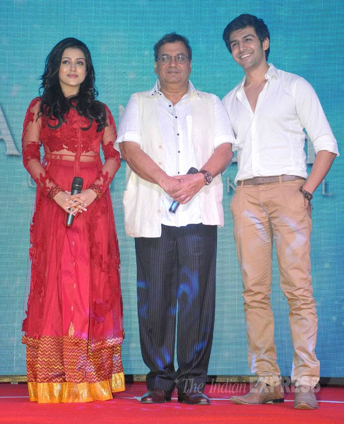 Kartik and Mishti share the stage with their mentor and director Subhash Ghai. (Photo: Varinder Chawla)