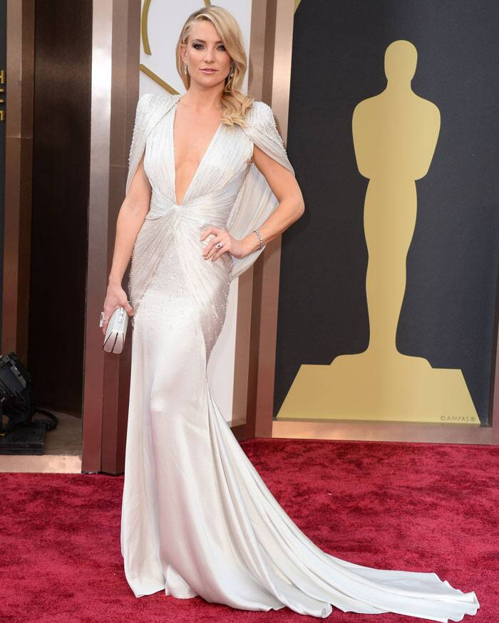Kate Hudson was a winner in a stunning silver Atelier Versace beaded gown with a plunging neckline.