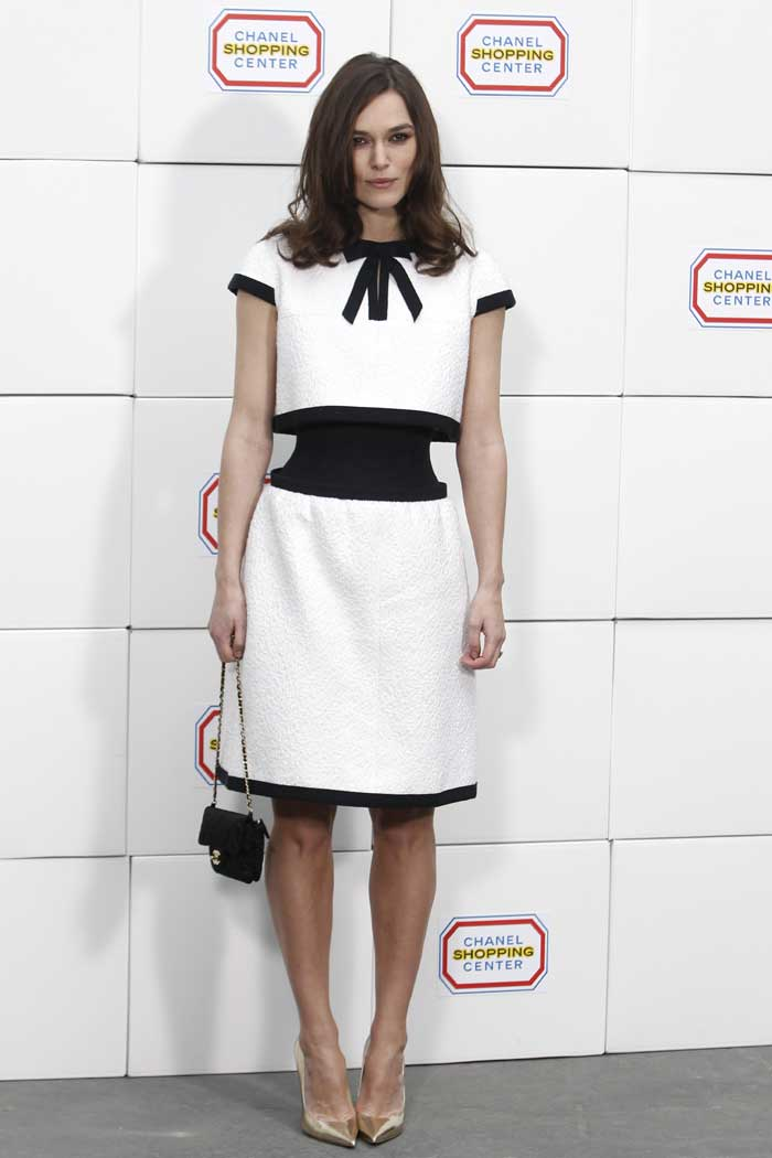 Keira Knightley flaunts insanely tiny waist, here's how