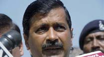 Arvind Kejriwal creates flutter by travelling in chartered plane