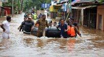 In one of the worst-hit areas in Kerala, people ignore pleas by rescue teams
