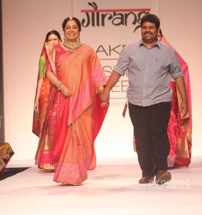 The actress is all smiles as she walks down the ramp hand-in-hand with Gaurang. (Photo: Varinder Chawla)