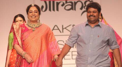 To end the show, Gaurang had his favourite muse Kirron Kher in a pink brocade sari, who walked down the ramp to a thunderous applause.