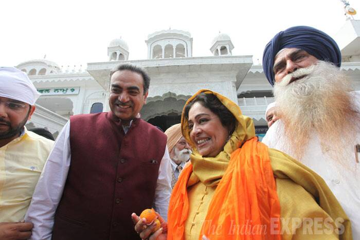 Bollywood actress and BJP candidate from Chandigarh, Kirron Kher, visited the Sector 34 Gurdwara in Chandigarh on Thursday (March 20). (IE Photo Jasbir Malhi)