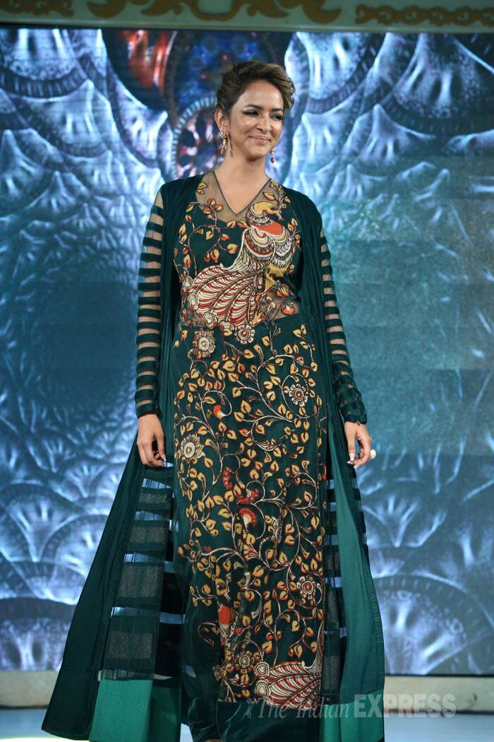 Telugu actress Lakshmi Manchu walks the ramp. (Photo: Varinder Chawla)