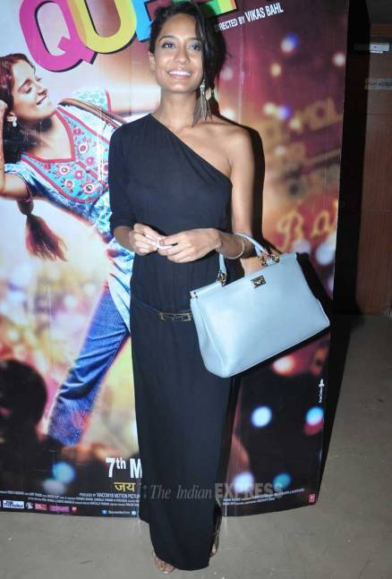 Kangana, Lisa watch their film 'Queen'