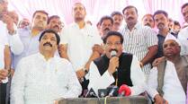 After Chavan's pep talk, sulking Nimhan joins Cong-NCP poll campaign