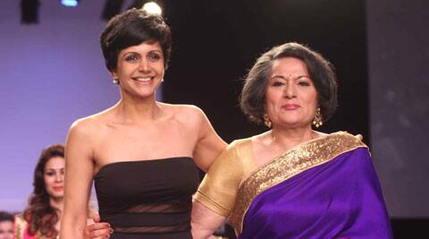 The show ended with Gita Bedi looking radiant in a purple/gold sari.