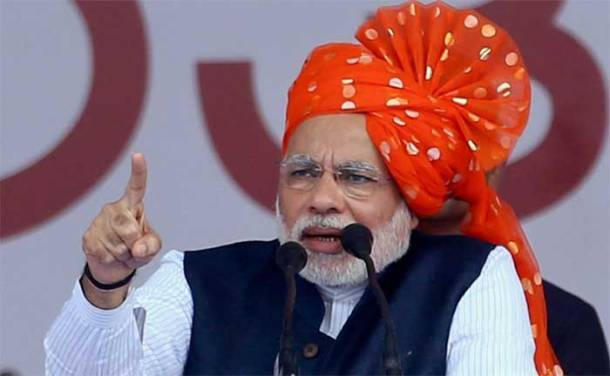 Heady mix: Modi, Rahul show headgears are a must-have on campaign trail