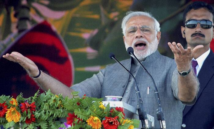 BJP Prime Ministerial candidate Narendra Modi addressing the Hunkar rally in Muzaffarpur on Monday. (PTI)