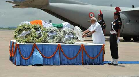President Mukherjee, PM Modi pay tribute to Kalam at Palam airport