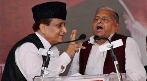 "Samajwadi Party Supremo Mulayam Singh Yadav with party leader Mohammad Azam Khan during a public rally ""Desh Banao Desh Bachao"" in Allahabad on Sunday. (PTI)"