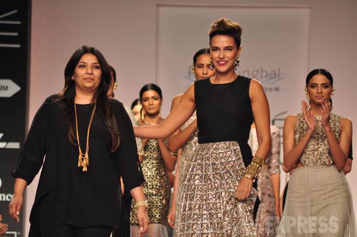 Payal Singhal takes a bow at the end of her as she poses on the ramp along with the models. (Photo: Varinder Chawla)