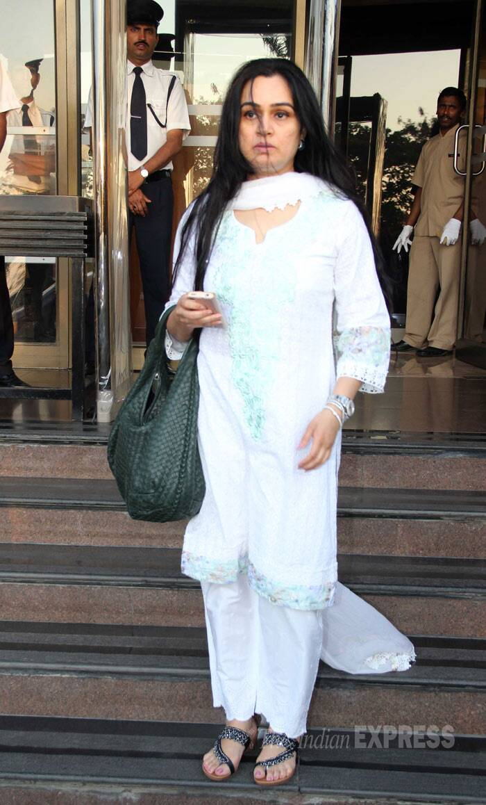Former actress Padmini Kolhapure was also at the condolence meet. (Photo: Varinder Chawla)