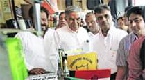 Pawan Bansal speaks of Cong's achievements, downplays BJPclaims