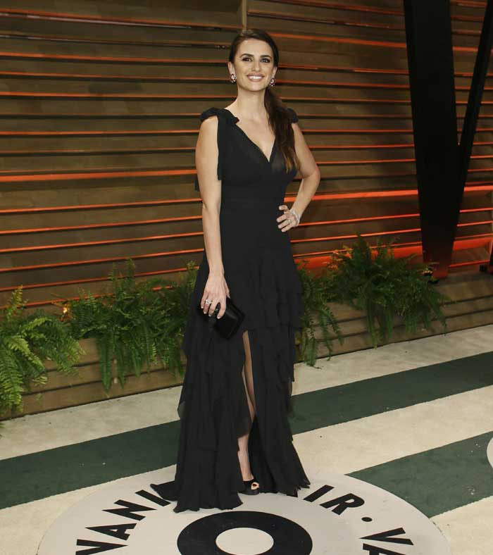 Actress Penelope Cruz was a let down in the black thigh high split dress with frill bottom dress. (AP)