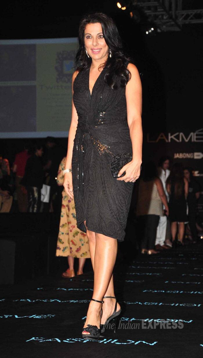 Pooja Bedi was al dressed up in a little black dress with heels. (Photo: Varinder Chawla)